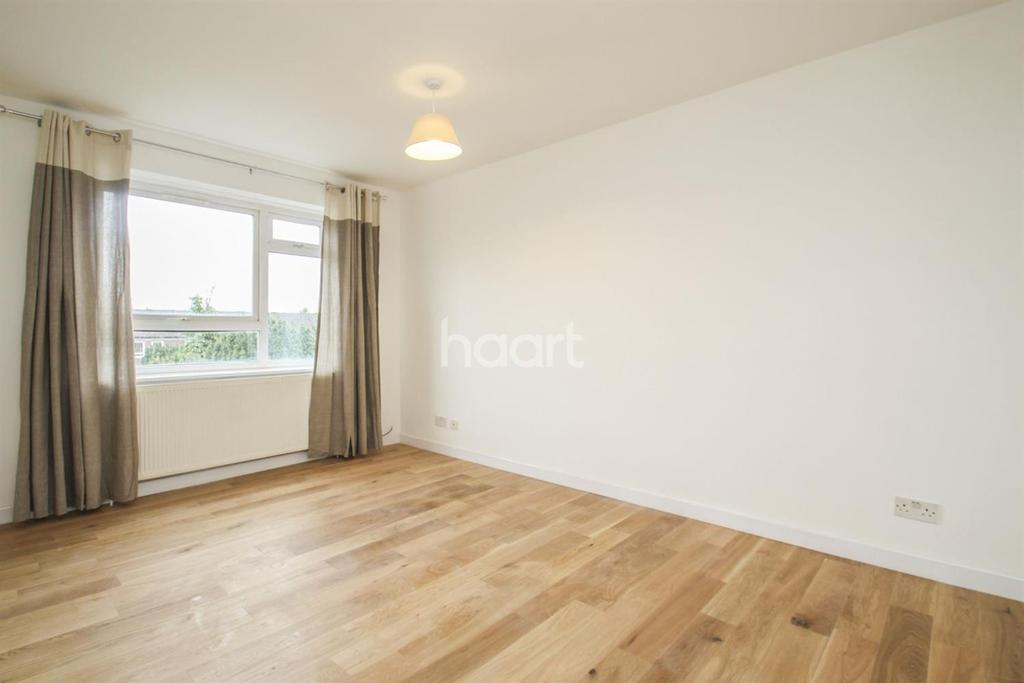 1 Bedroom Flat for sale in Chagford Court, Devonshire Road, SW19