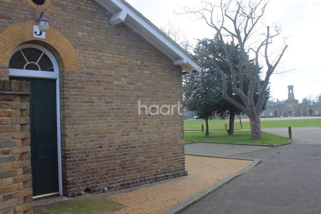 1 Bedroom Bungalow for sale in Horseshoe Crescent, Shoeburyness