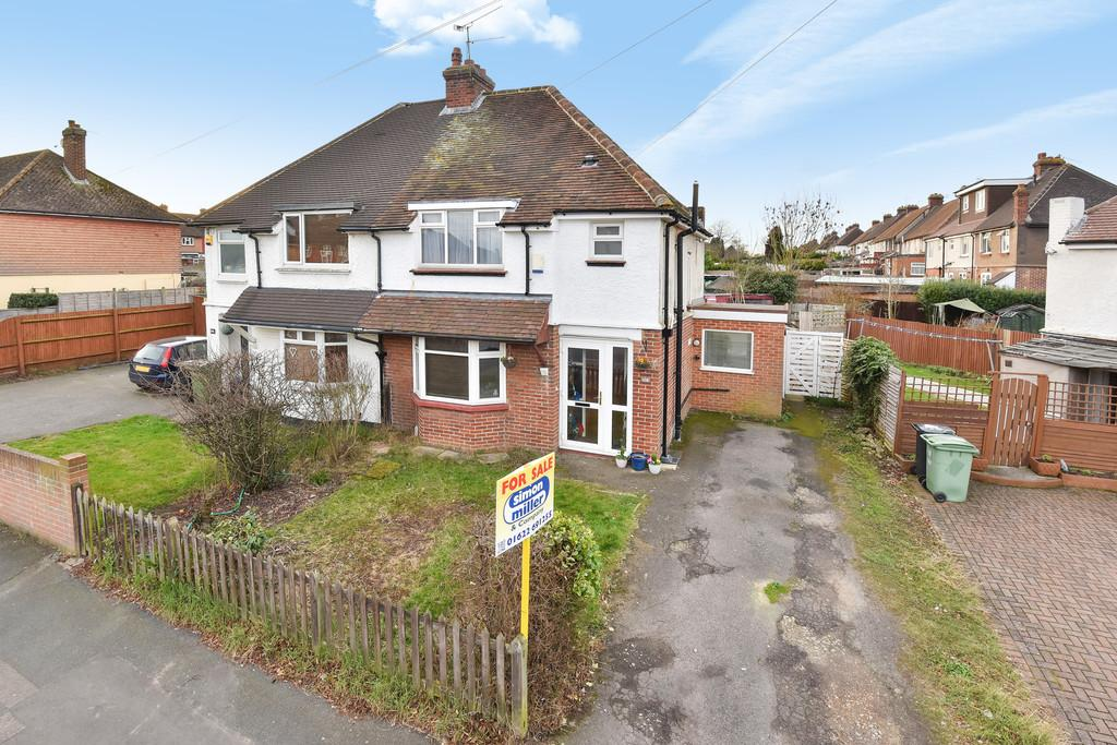 3 Bedrooms Semi Detached House for sale in South Park Road, Maidstone