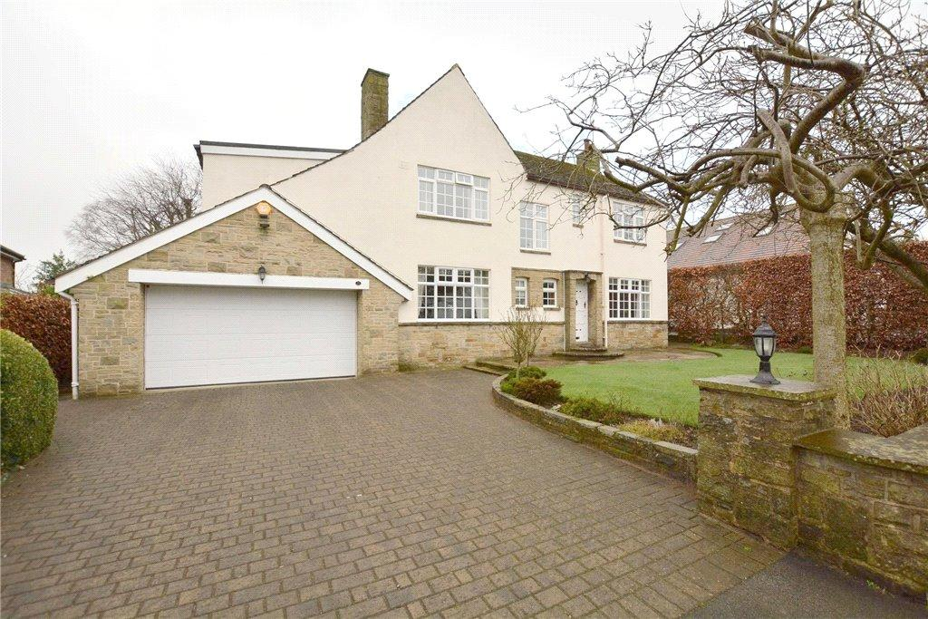 4 Bedrooms Detached House for sale in Wynmore Avenue, Bramhope, Leeds, West Yorkshire