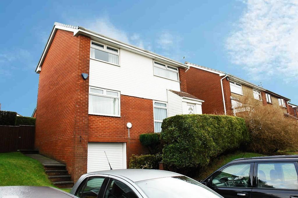3 Bedrooms Detached House for sale in 14 Longdale Close, Royton