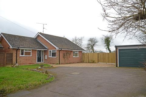 3 bedroom bungalow to rent - Farm Drive, Tilehurst, Reading, Berks, RG31