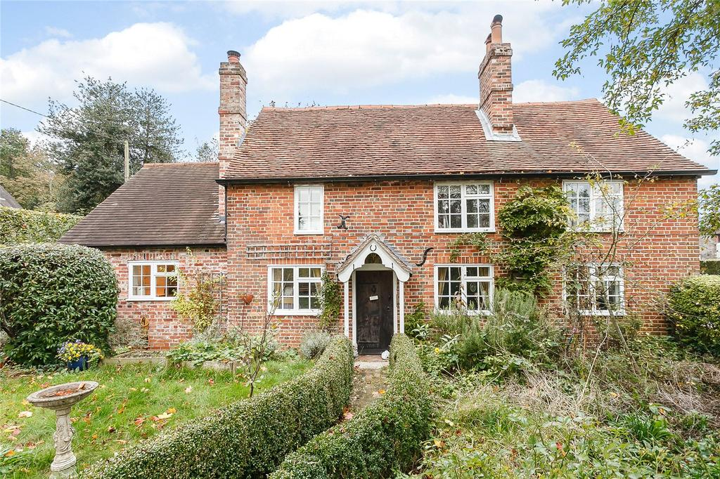 3 Bedrooms Detached House for sale in Church Road, Stockcross, Newbury, Berkshire