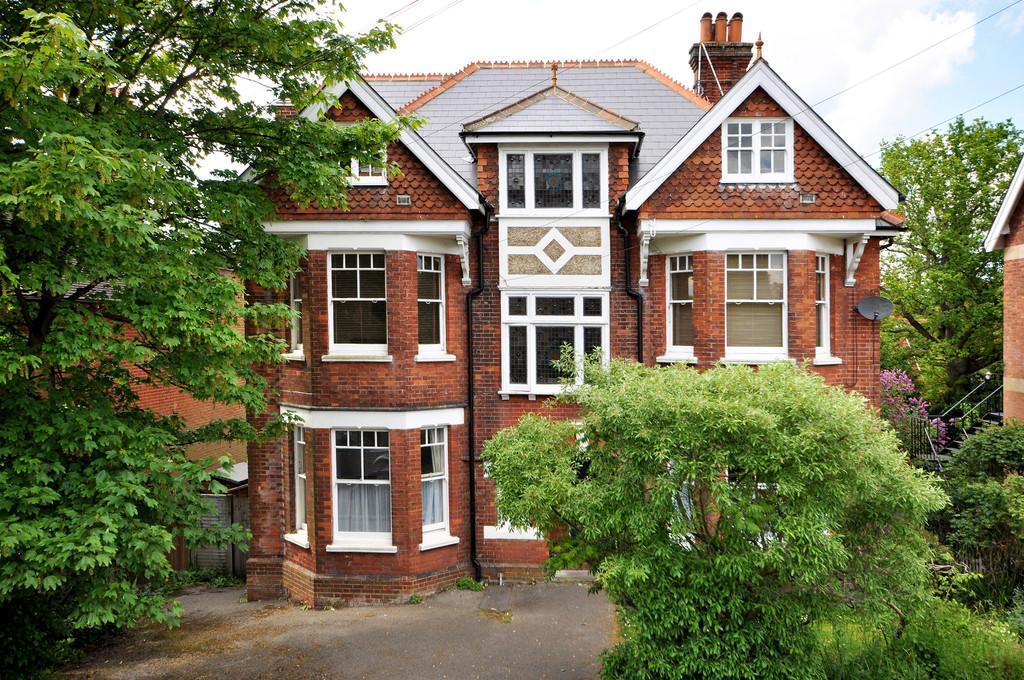 2 Bedrooms Flat for sale in Oakdale Road, Tunbridge Wells