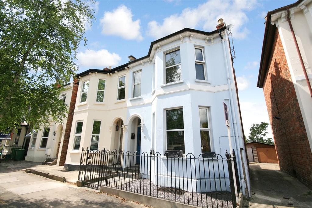 3 Bedrooms Semi Detached House for sale in Gloucester Road, Cheltenham, GL51