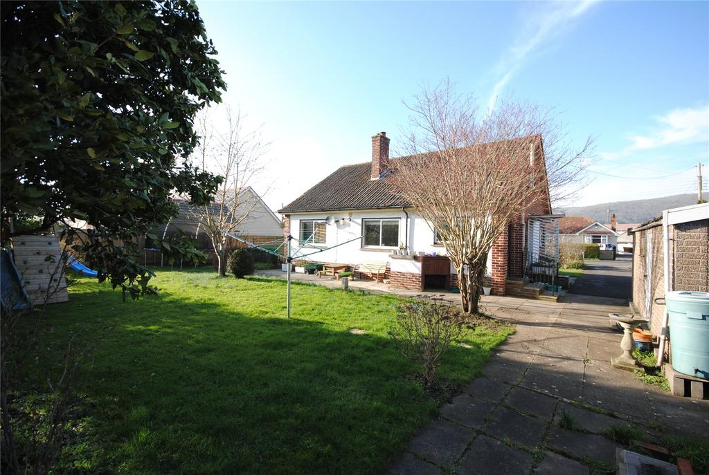 3 Bedrooms Detached Bungalow for sale in Round Oak Road, CHEDDAR, Somerset, BS27