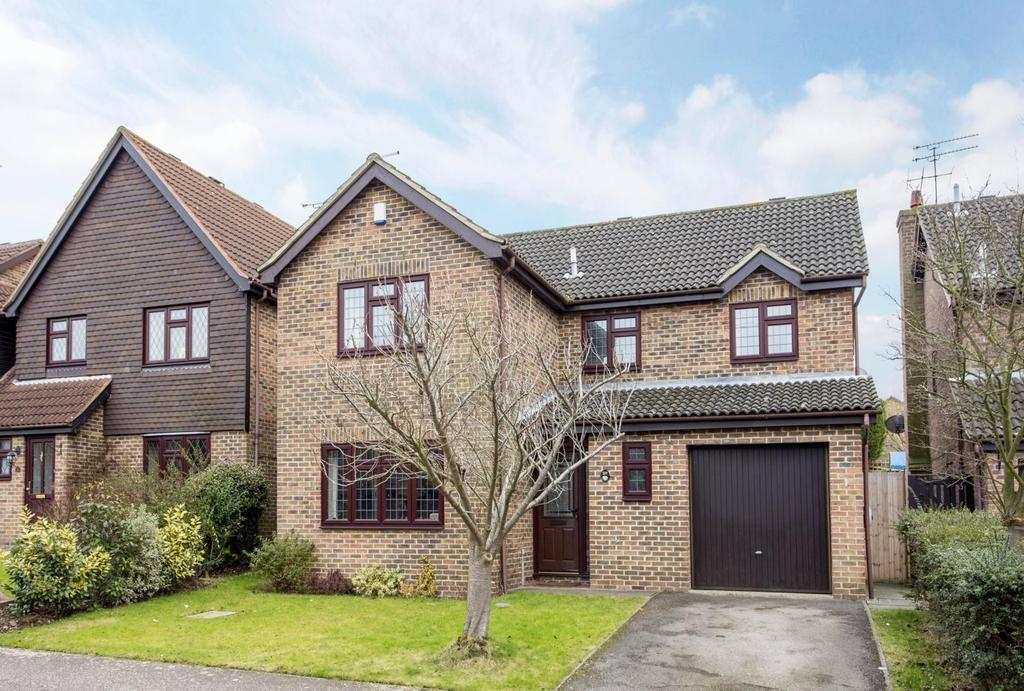 4 Bedrooms Detached House for sale in Devereux Way, Billericay, Essex, CM12