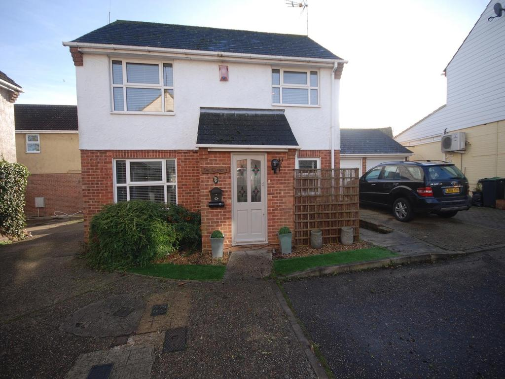 3 Bedrooms Detached House for sale in Counting House Lane, Dunmow, Essex, CM6