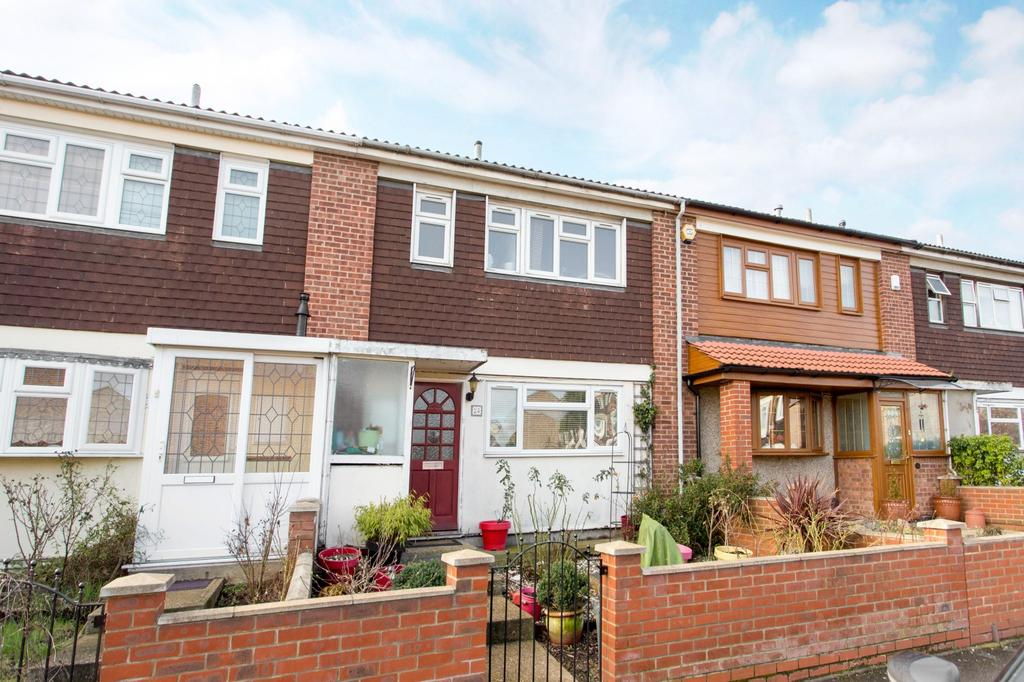 2 Bedrooms Terraced House for sale in Neave Crescent, Harold Hill, Romford, RM3
