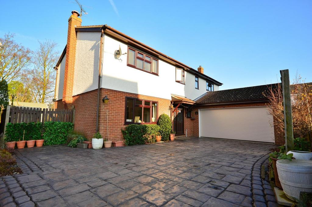 4 Bedrooms Detached House for sale in Mallard Close, Tollesbury, Maldon, Essex, CM9
