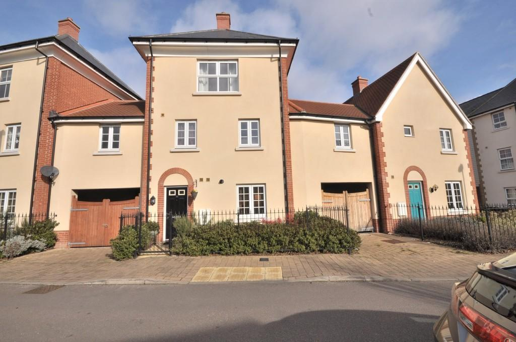 4 Bedrooms Terraced House for sale in Meander Mews, Colchester