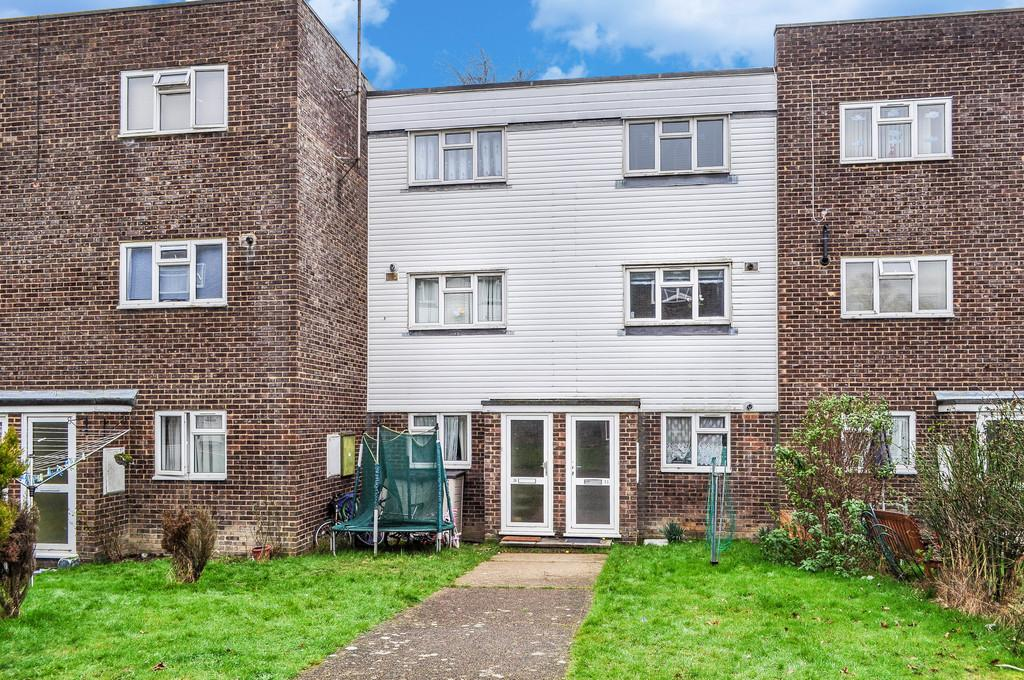 2 Bedrooms Maisonette Flat for sale in POUND HILL