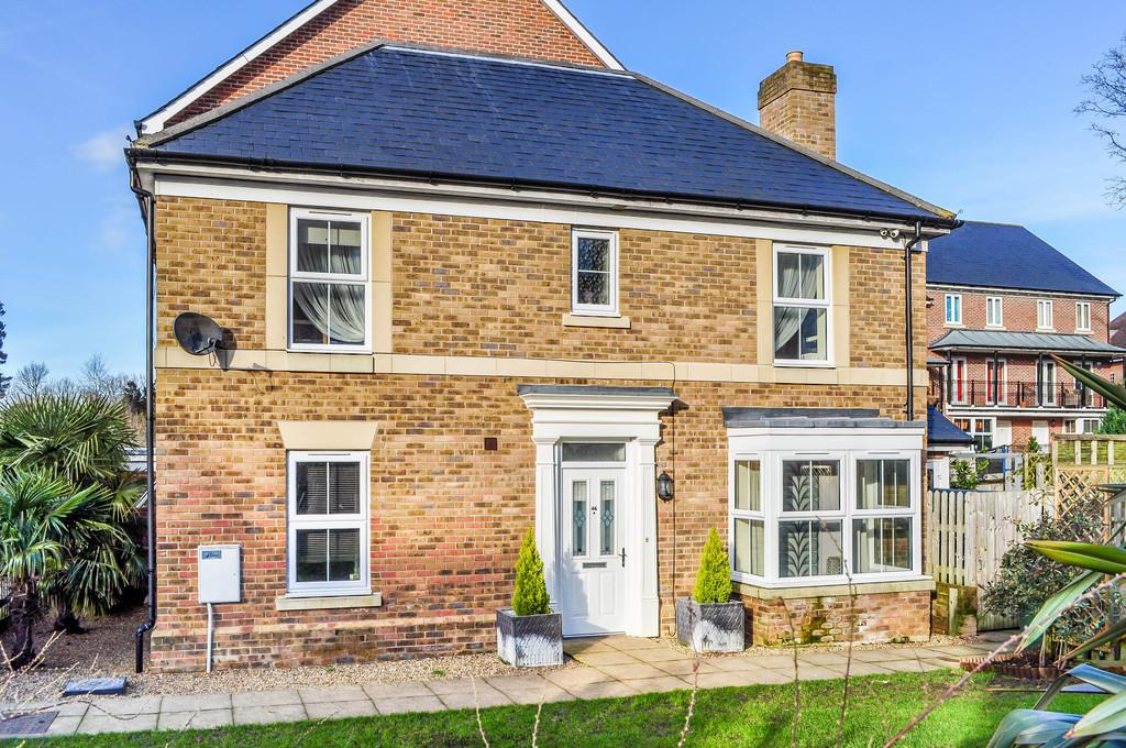 3 Bedrooms End Of Terrace House for sale in WORTH