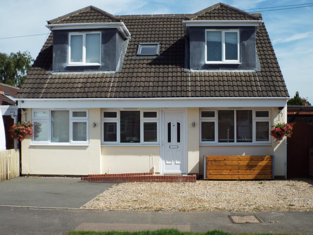 4 Bedrooms Detached House for sale in Lowland Avenue, Leicester Forest East, Leicester, Leicestershire, LE3 3PA