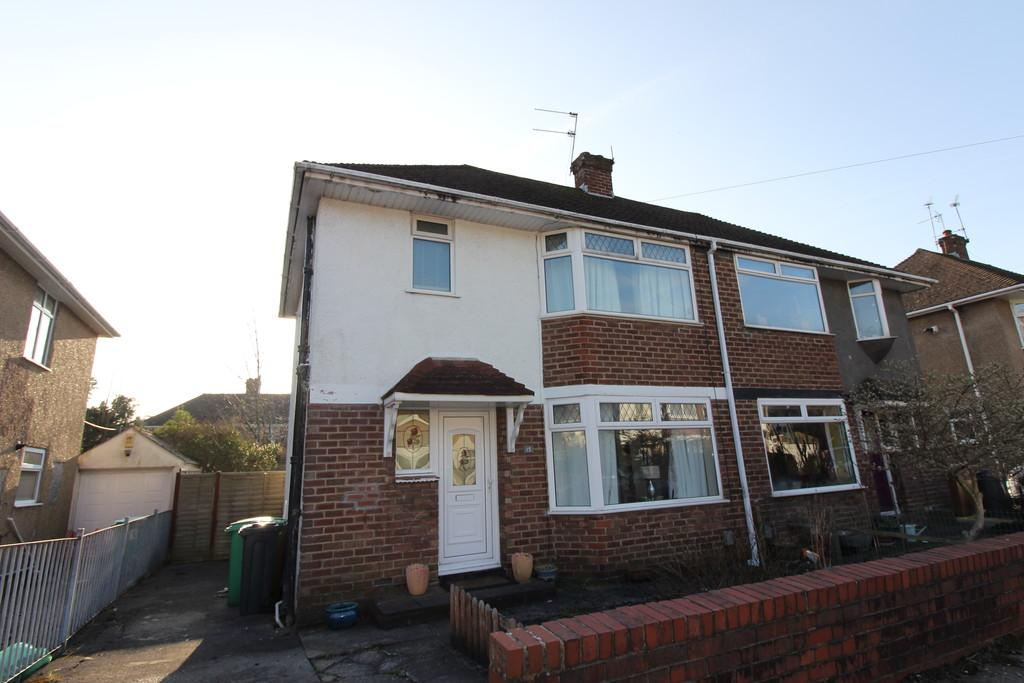 3 Bedrooms Semi Detached House for sale in Whitefield Road, Llandaff North