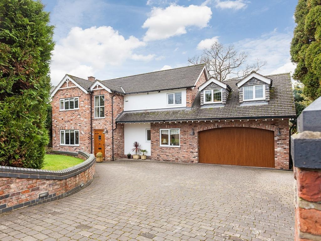 5 Bedrooms Detached House for sale in Meadow Drive, Prestbury