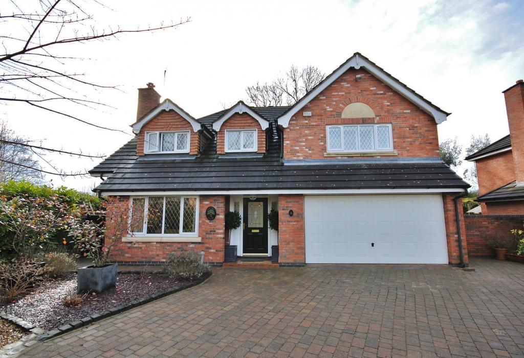 5 Bedrooms Detached House for sale in Betchworth Way, Tytherington