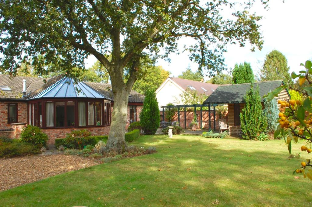 4 Bedrooms Detached Bungalow for sale in Deanfield, Harrison Drive, Goostrey