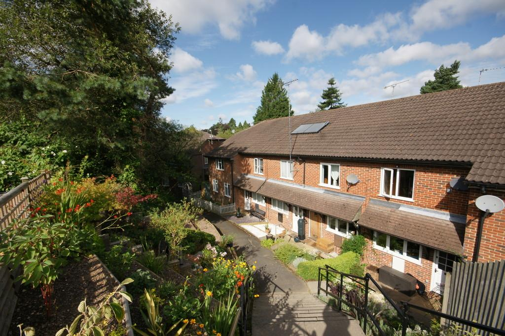 1 Bedroom House for sale in Hillside Close, HEADLEY DOWN, Hampshire