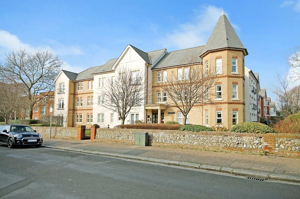 1 Bedroom Flat for sale in Pegasus Court, Shelley Road, Worthing BN11 4TH