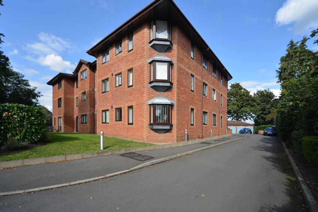1 Bedroom Apartment Flat for sale in Priory Road, Kenilworth