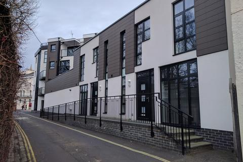2 bedroom terraced house to rent - MONDRIAN MEWS, SERPENTINE ROAD, SOUTHSEA, PO5 3LY