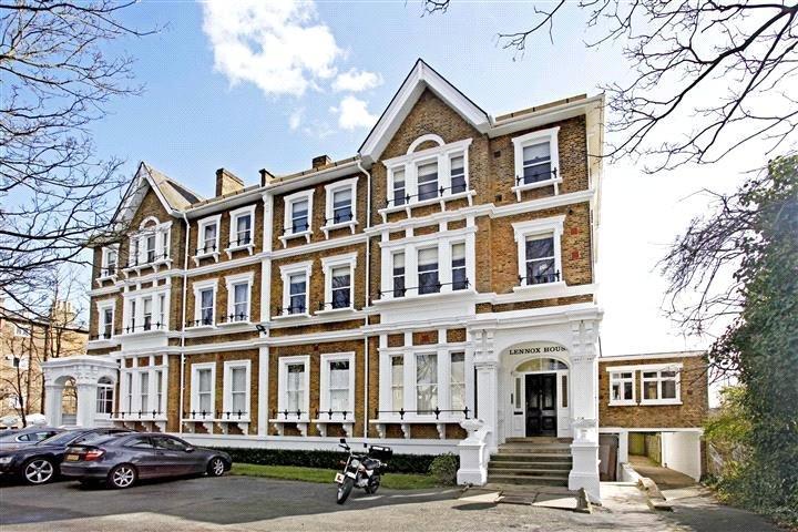 2 Bedrooms Flat for sale in Lennox House, 96 Manor Way, Blackheath, London