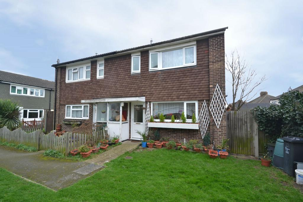 2 Bedrooms Semi Detached House for sale in Portnoi Close, Rise Park, Romford
