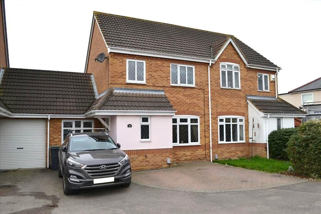 3 Bedrooms Semi Detached House for sale in Hitchin Street, Biggleswade, SG18