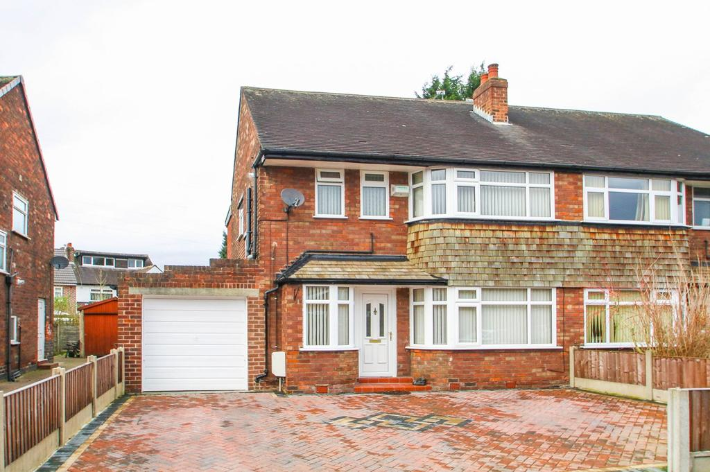 3 Bedrooms Semi Detached House for sale in Eddisbury Avenue, Flixton, Manchester, M41