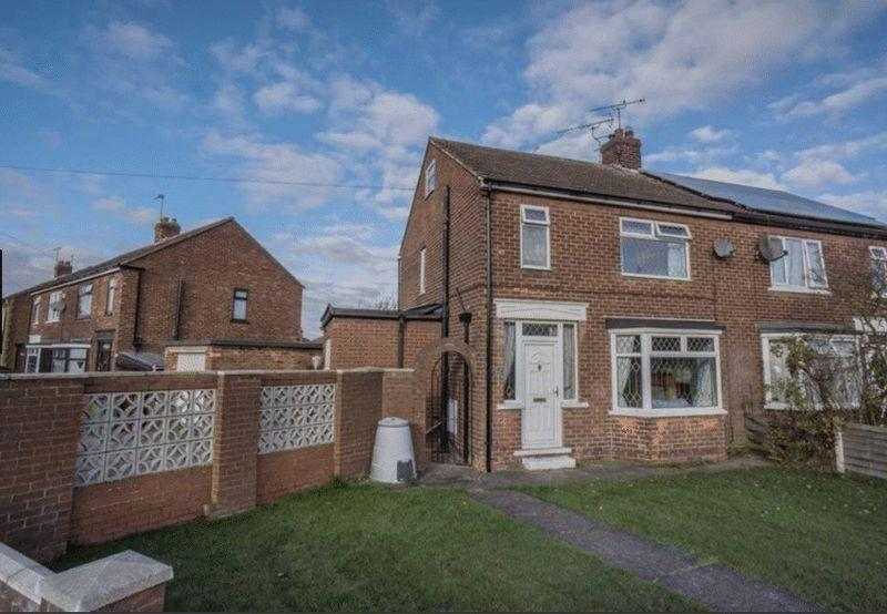 3 Bedrooms Semi Detached House for sale in Stanley Road, Scunthorpe