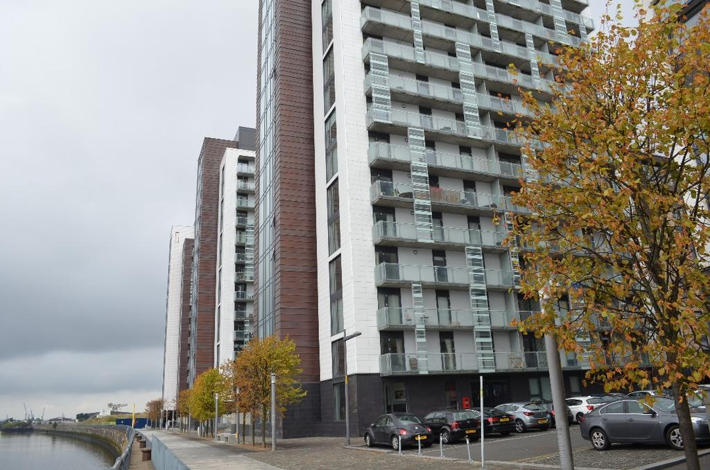 2 Bedrooms Flat for sale in Castlebank Place, Flat 14/1, Glasgow Harbour, Glasgow, G11 6BX