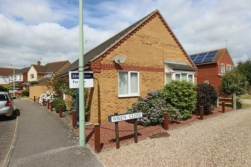 3 Bedrooms Detached Bungalow for sale in Colsterdale, Carlton Colville, Lowestoft