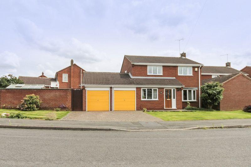 4 Bedrooms Detached House for sale in FAIRBOURNE DRIVE, MICKLEOVER