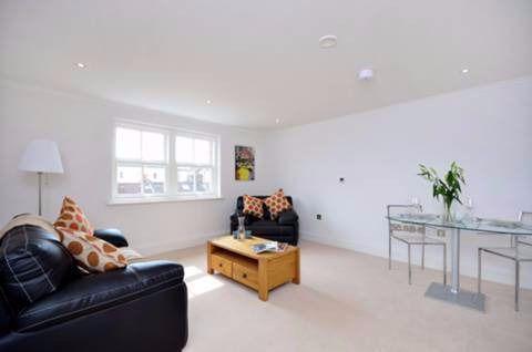 1 Bedroom Flat for sale in Jubilee Mansions, Greyhound Road, West Kensington, W14