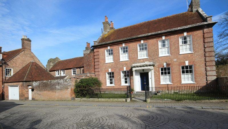 7 Bedrooms Detached House for sale in CHRISTCHURCH TOWN CENTRE