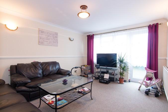 3 Bedrooms End Of Terrace House for sale in Union Road, Northolt