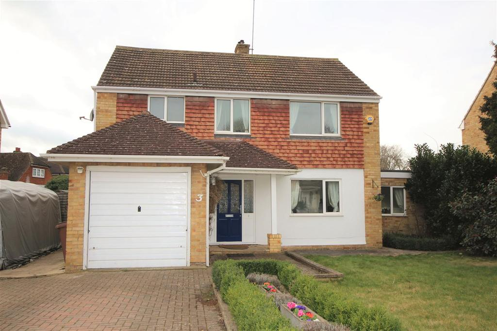 4 Bedrooms Detached House for sale in Strathmore Drive, Charvil, Reading