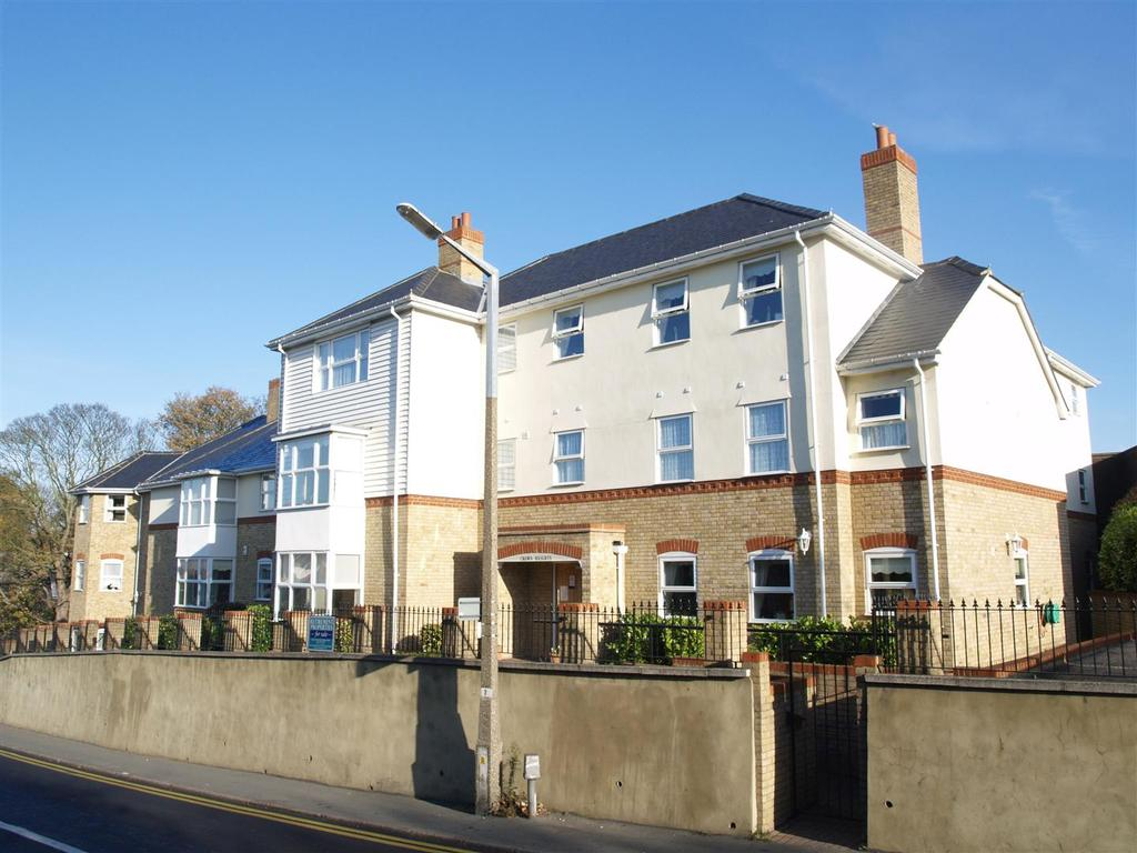 1 Bedroom Retirement Property for sale in Crown Hill, Rayleigh