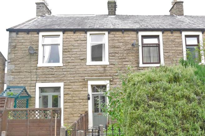 4 Bedrooms Terraced House for sale in East Avenue, Barnoldswick BB18