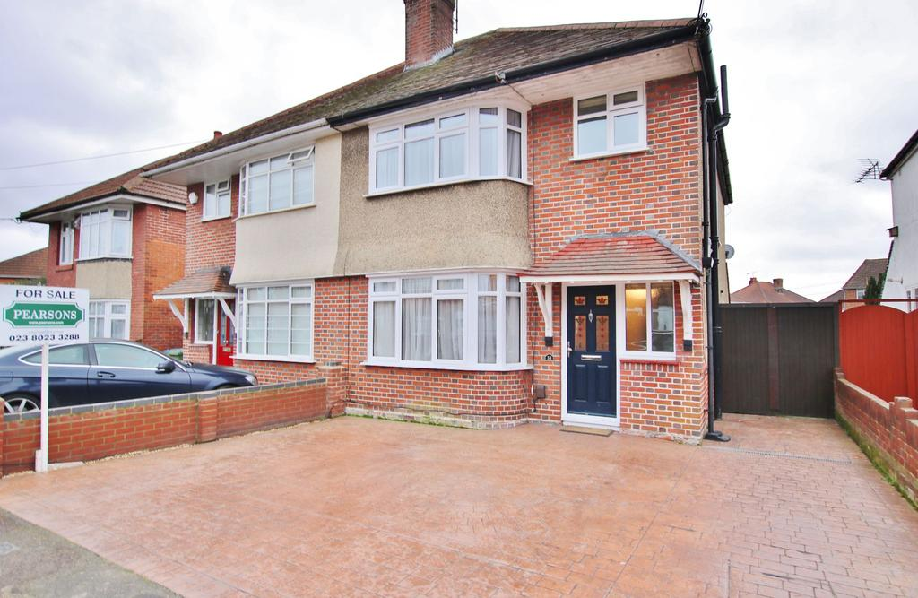 3 Bedrooms Semi Detached House for sale in Regents Park, Southampton