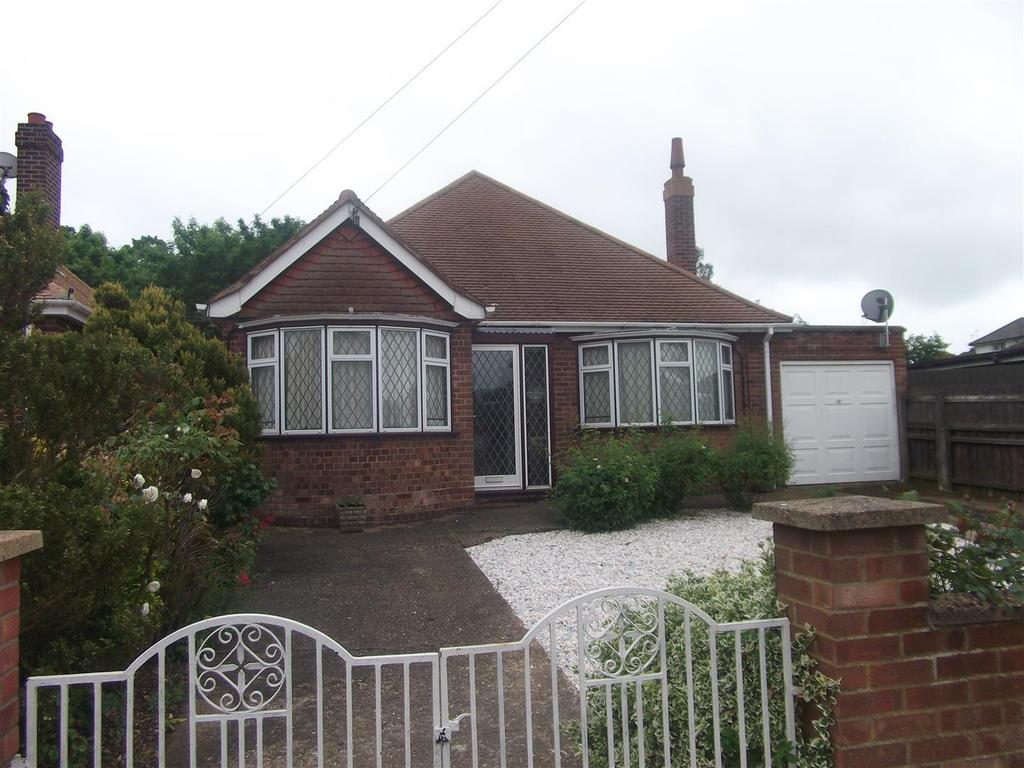 3 Bedrooms Detached Bungalow for sale in Westbury Avenue