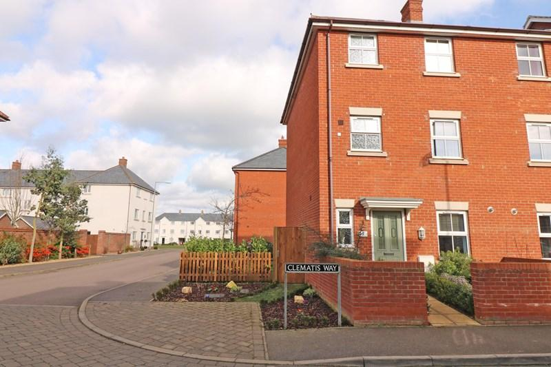 4 Bedrooms Town House for sale in Clematis Way, Wymondham