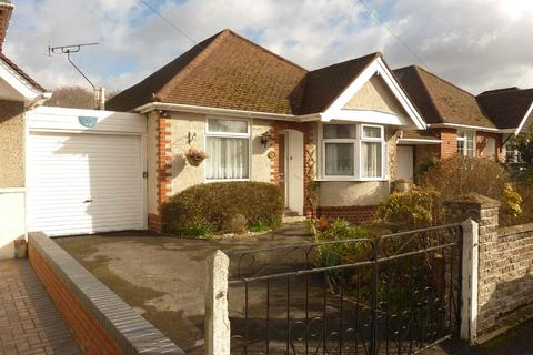 2 bedroom detached bungalow for sale - Maxwell Road, Sholing