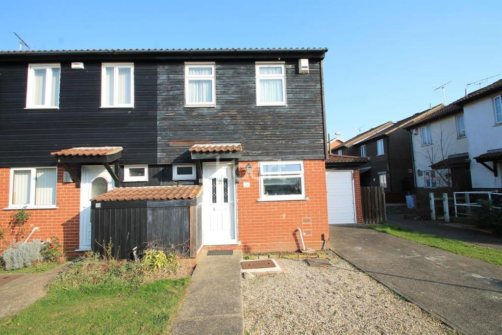 2 Bedrooms Semi Detached House for sale in Bowbank Close, Shoeburyness