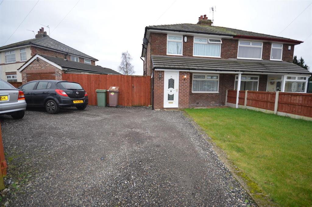3 Bedrooms Semi Detached House for sale in News Lane, Rainford, St. Helens