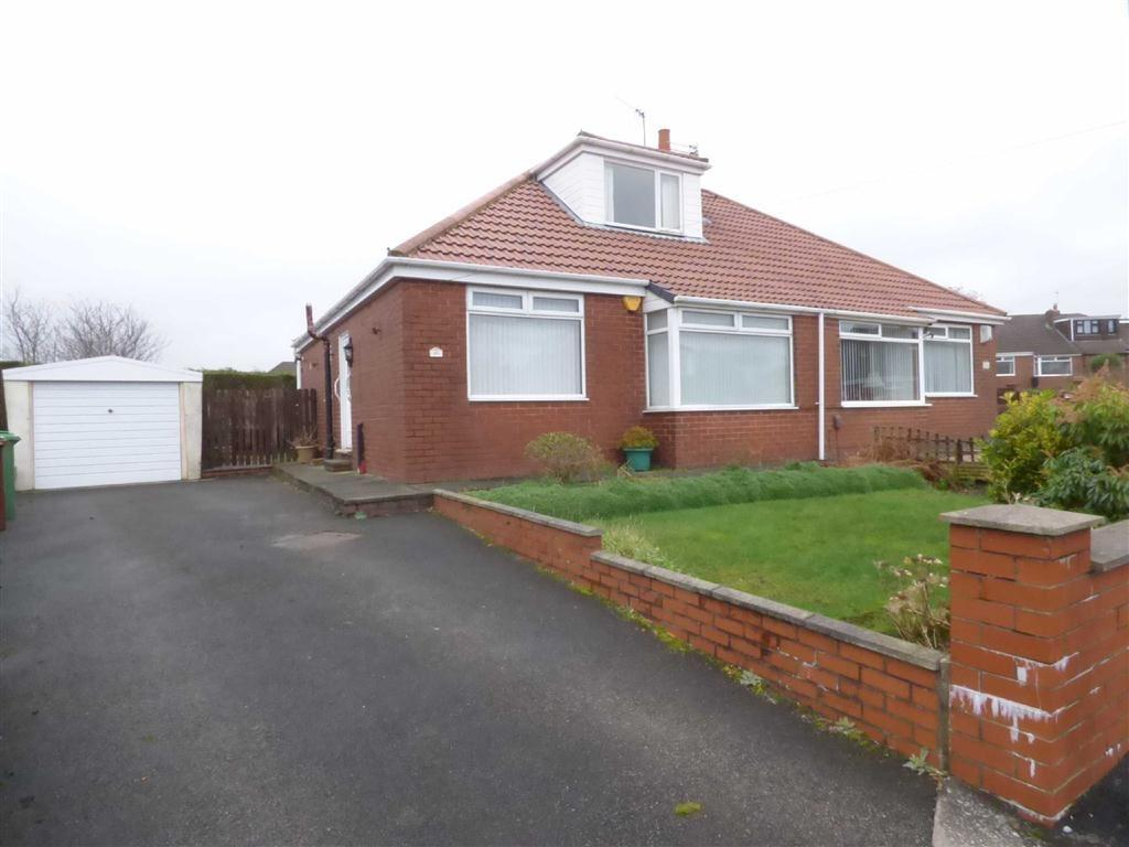 2 Bedrooms Semi Detached Bungalow for sale in Dorchester Drive, Royton, Oldham, OL2