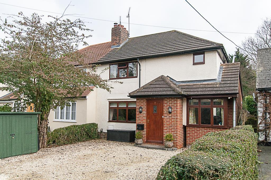 3 Bedrooms Semi Detached House for sale in Coxtie Green Road