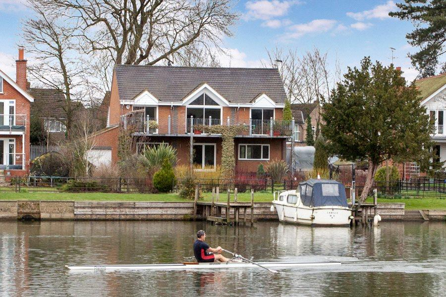 5 Bedrooms Detached House for sale in Donkey Lane, Bourne End, Buckinghamshire, SL8