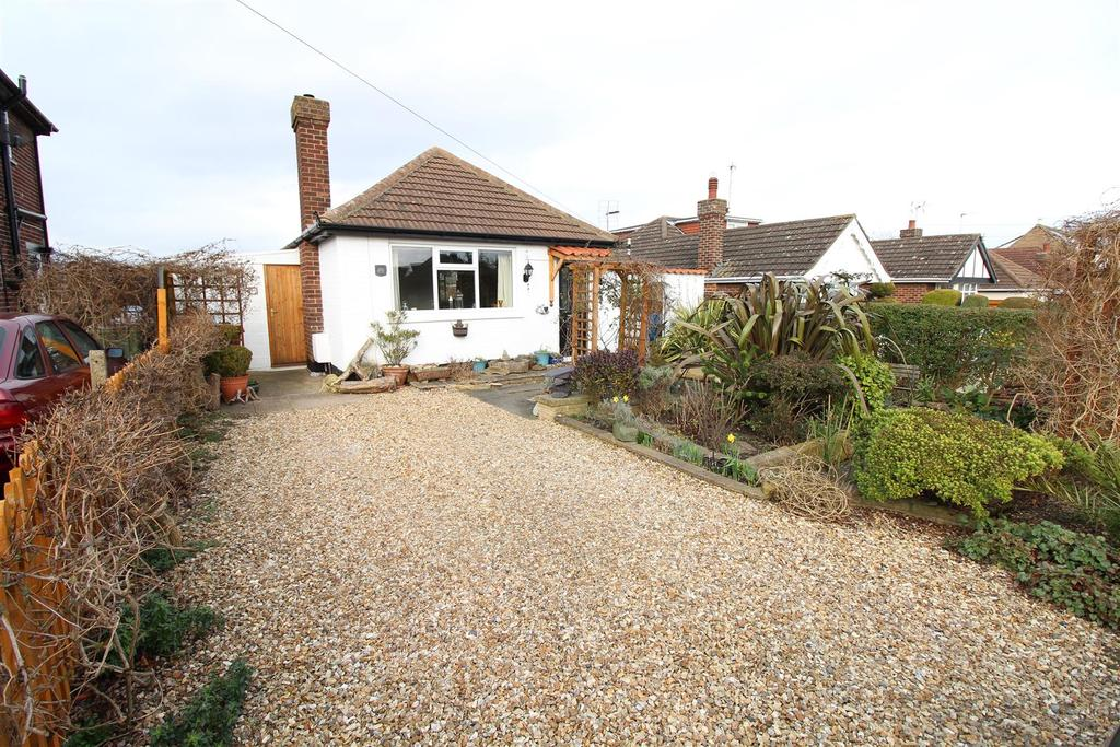 2 Bedrooms Detached Bungalow for sale in North Sea Lane, Cleethorpes